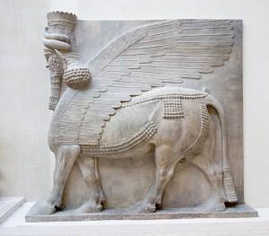 Fonte immagine: http://kigeiblog.myblog.it/2012/10/23/il-lamassu-la-divinita-raffigurata-nell-arte-mesopotamica/