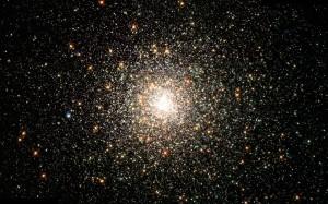 Fonte immagine: http://www.iljournal.it/2012/le-piu-belle-foto-scattate-da-hubble/335238%20/ammasso-globulare-m80