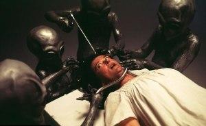 Fonte immagine: http://www.leggilo.net/135663/vogliono-la-mia-anima-donna-sostiene-di-essere-stata-rapita-piu-volte-dagli-alieni-video.html